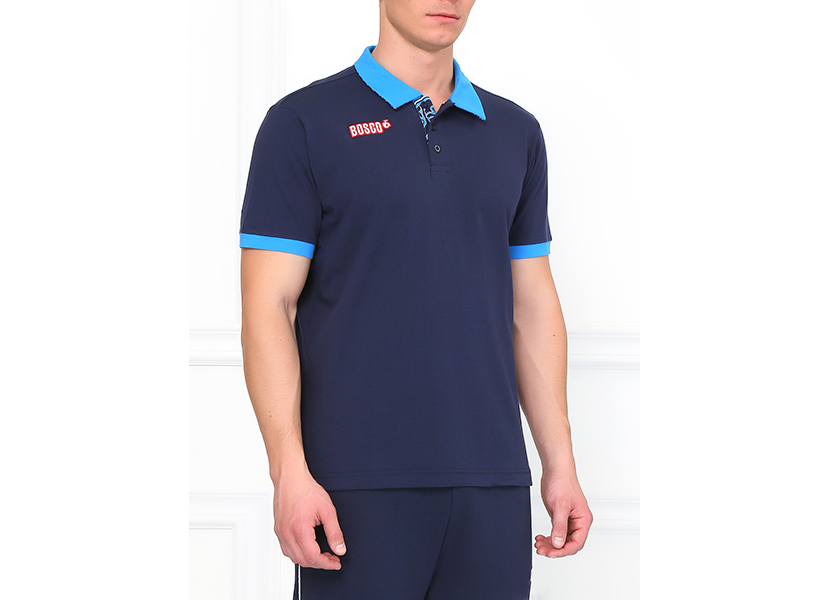 Картинка с синей мужской футболкой поло с голубым воротником