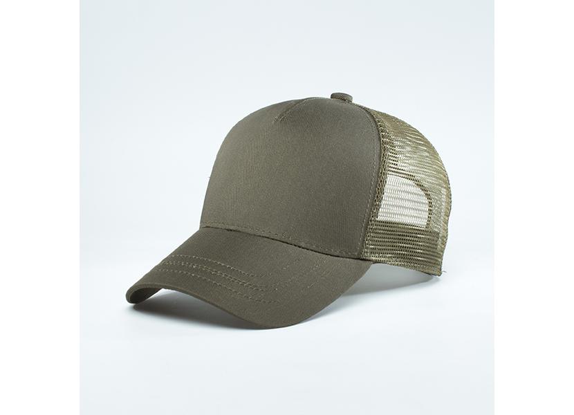 Фото кепки дальнобойщика с сеткой сзади, коричневого цвета