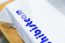 Белые футболки с надписию «IRONWIFE»
