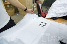 Белые футболки-поло с логотипом «РОСТЕХ»