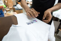 Белые футболки-поло с логотипом «ULTRA FITNESS CLUB»