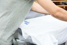Белых футболки с логотипом «Win Of Learn»