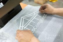 Серые футболки с логотипом «Eco complect»