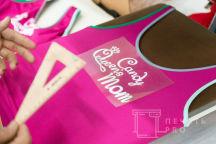Розовые купальники с текстом «Candy queens mom»