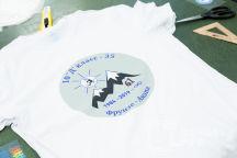 Белые футболки с изображением «10 Д»