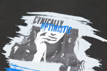 Черные футболки с логотипом «CYNICALLY OPTIMISTIC»
