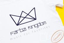 Белые футболки с логотипом «FARBA KINGDOM»