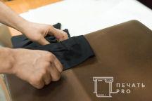 Черные футболки с логотипом «ОКНА КАСПЕР»