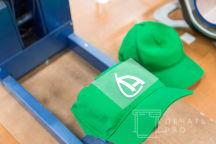 Зеленые бейсболки с логотипом «А»