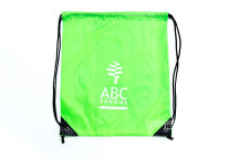 Зеленые сумки с логотипом «ABC SCHOOL»