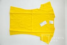 Желтые утболки с логотипом «MNC»