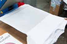 Белая футболка с надписью «ТИХО ША БЕЗ КИПЕША»
