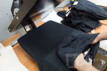 Черные толстовки с текстом «KarfidovLab»