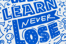 Белых сумки с изображением «WIN LEARN NEVER LOSE»