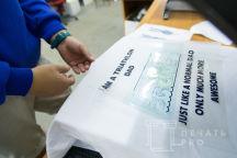 Белые футболки с надписью «CHIBISTEAM»