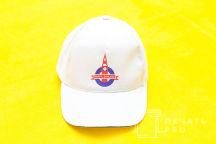 Белая бейсболка с логотипом «HAPPY ENGLANG»