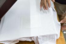 Белые футболки с логотипом «SC MED»