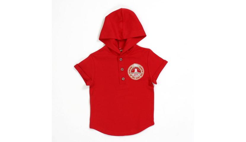 Фото красной футболки поло с капюшоном для мальчика